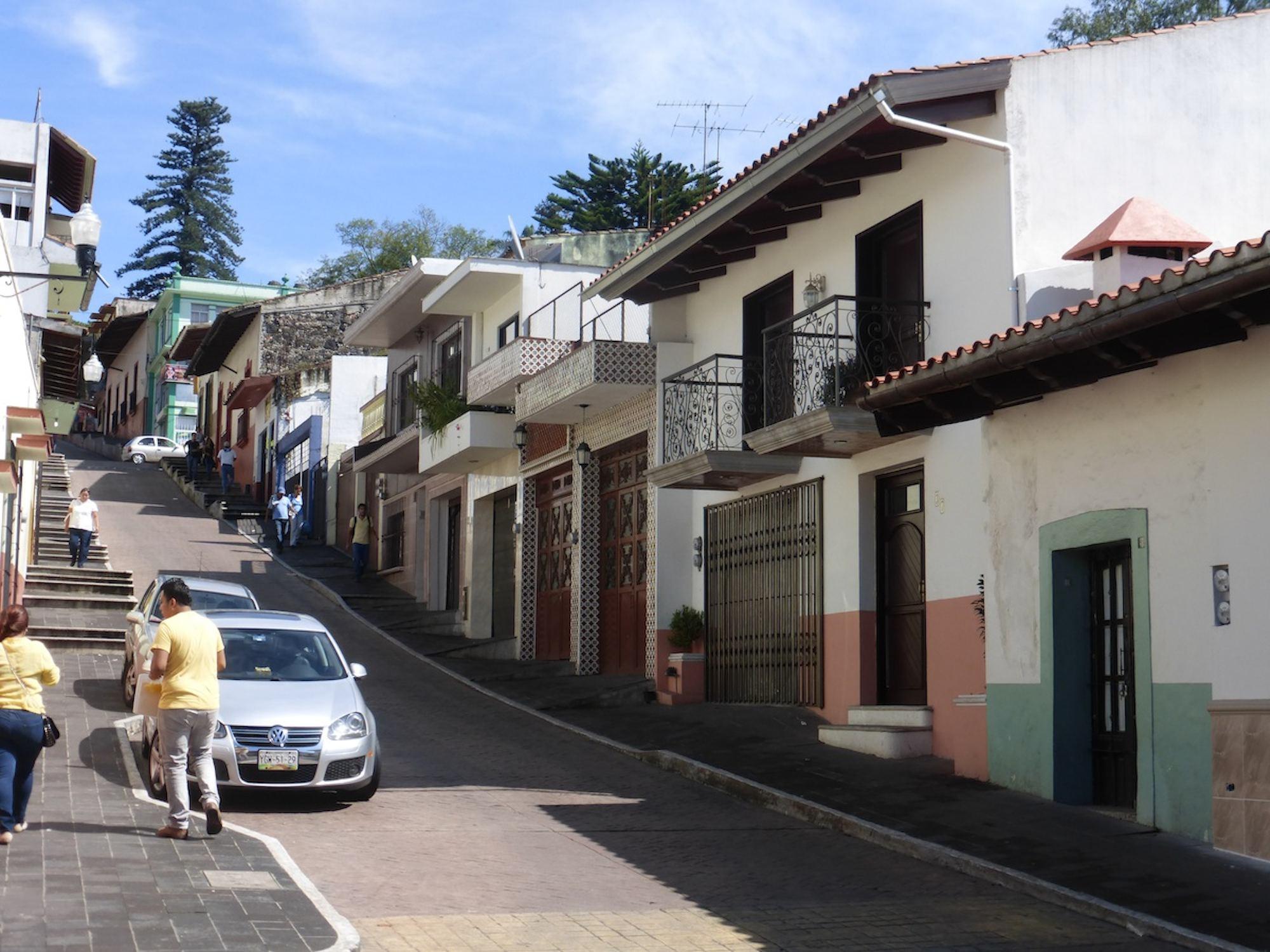 upscale Jalapa street